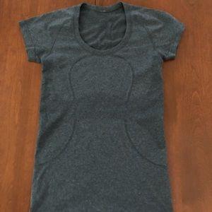 Lulu Lemon swiftly short sleeve shirt